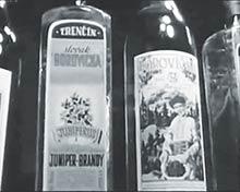 """Sortiment trenčianskych  liehovín zdokumentu """"Trenčín moje mesto"""" rok 1965"""