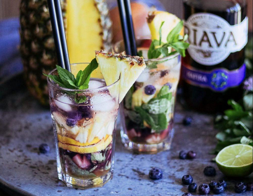 Čučoriedkovo – ananásové mojito